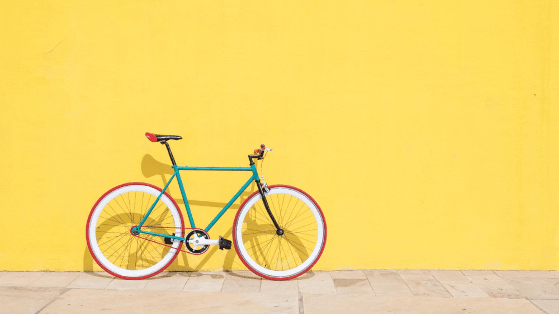 Confira o nosso guia com tudo o que você precisa saber antes de comprar uma bicicleta (Imagem: Reprodução/Shutterstock)