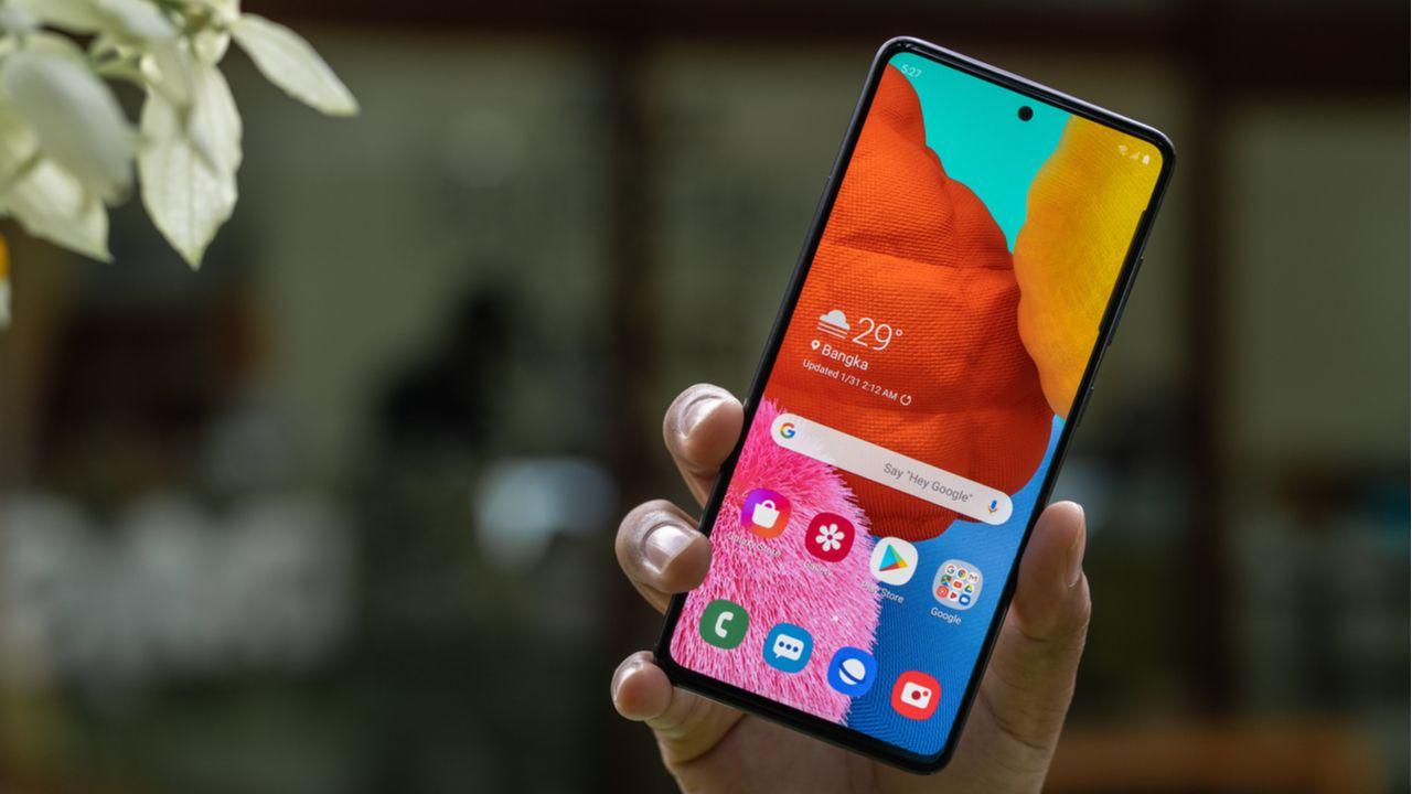 O Galaxy A51 é um dos celulares com melhor custo-benefício em 2020 (Foto: Shutterstock)