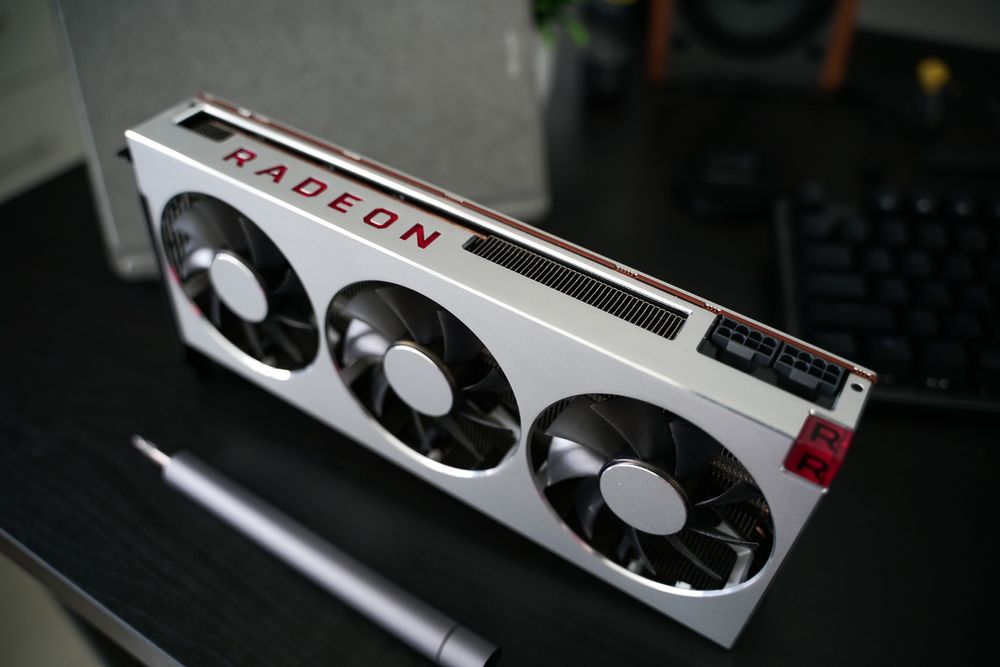 A Nvidia e a AMD atualmente são as melhores opções do mercado (Syafiq Adnan/Shutterstock)