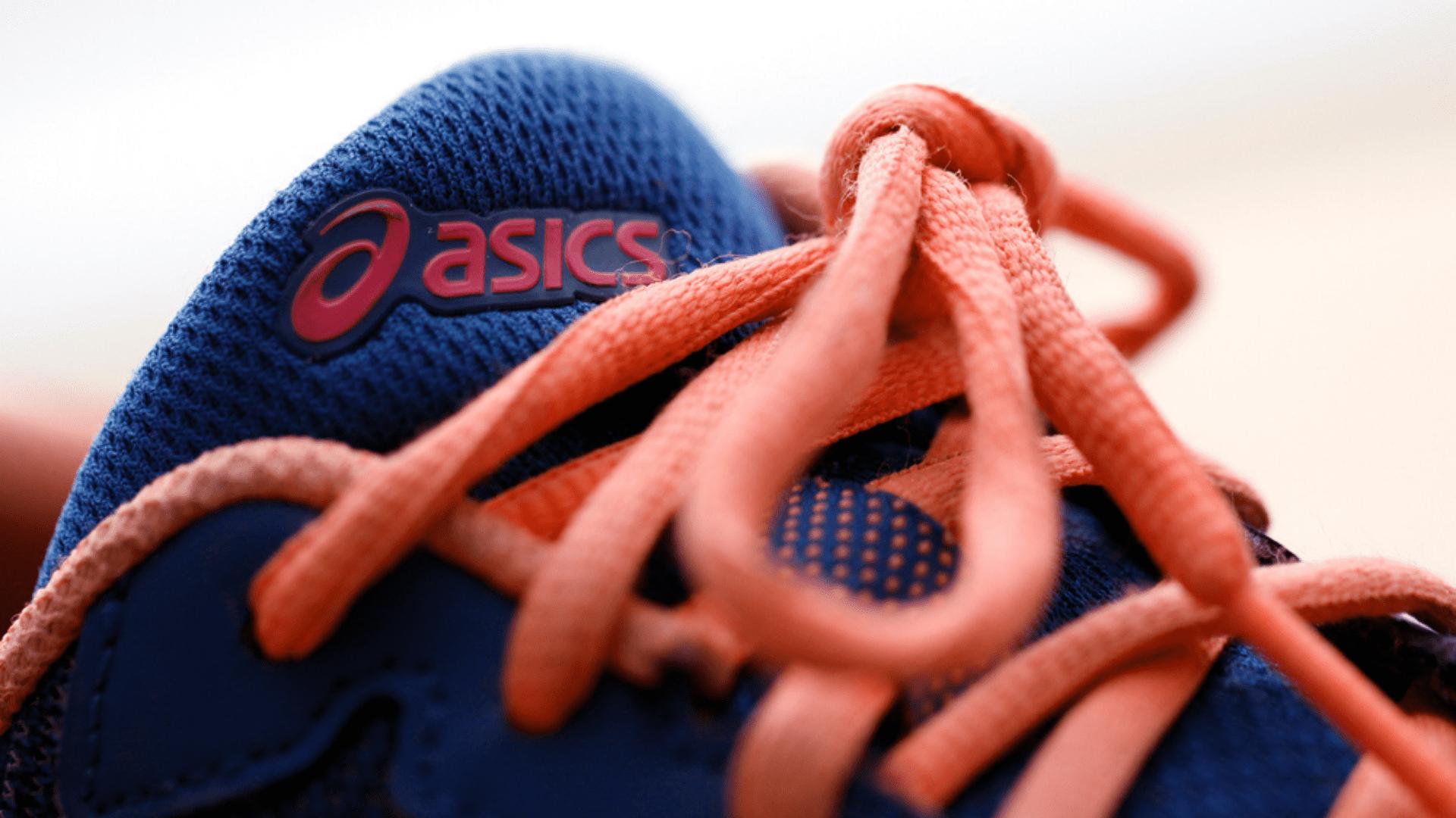 Veja a nossa seleção dos melhores tênis da Asics para corrida para comprar em 2020! (Imagem: Reprodução/Shutterstock)