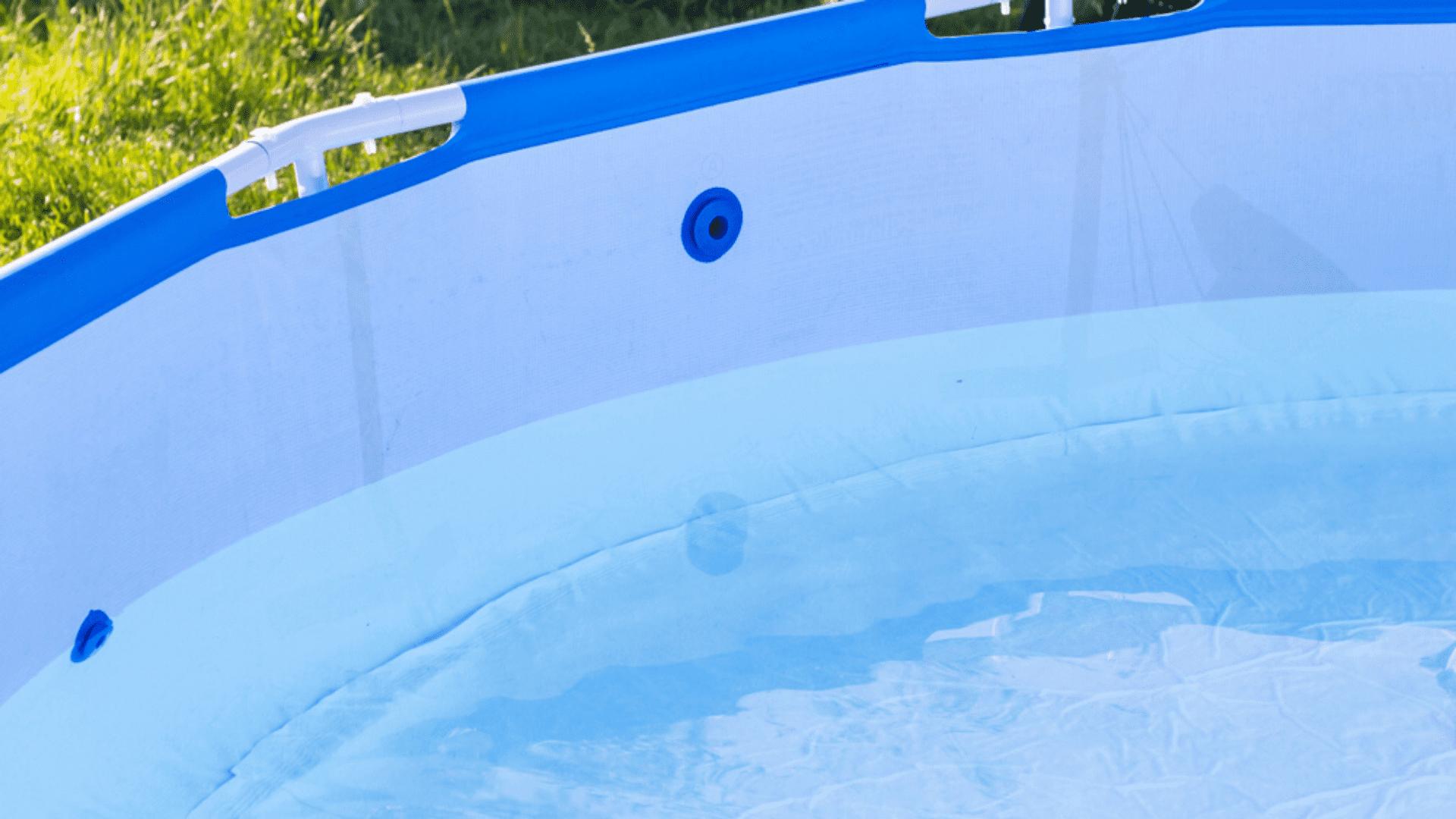 O material da lona também deve ser resistente para aguentar o peso da água (Imagem: Reprodução/Shutterstock)