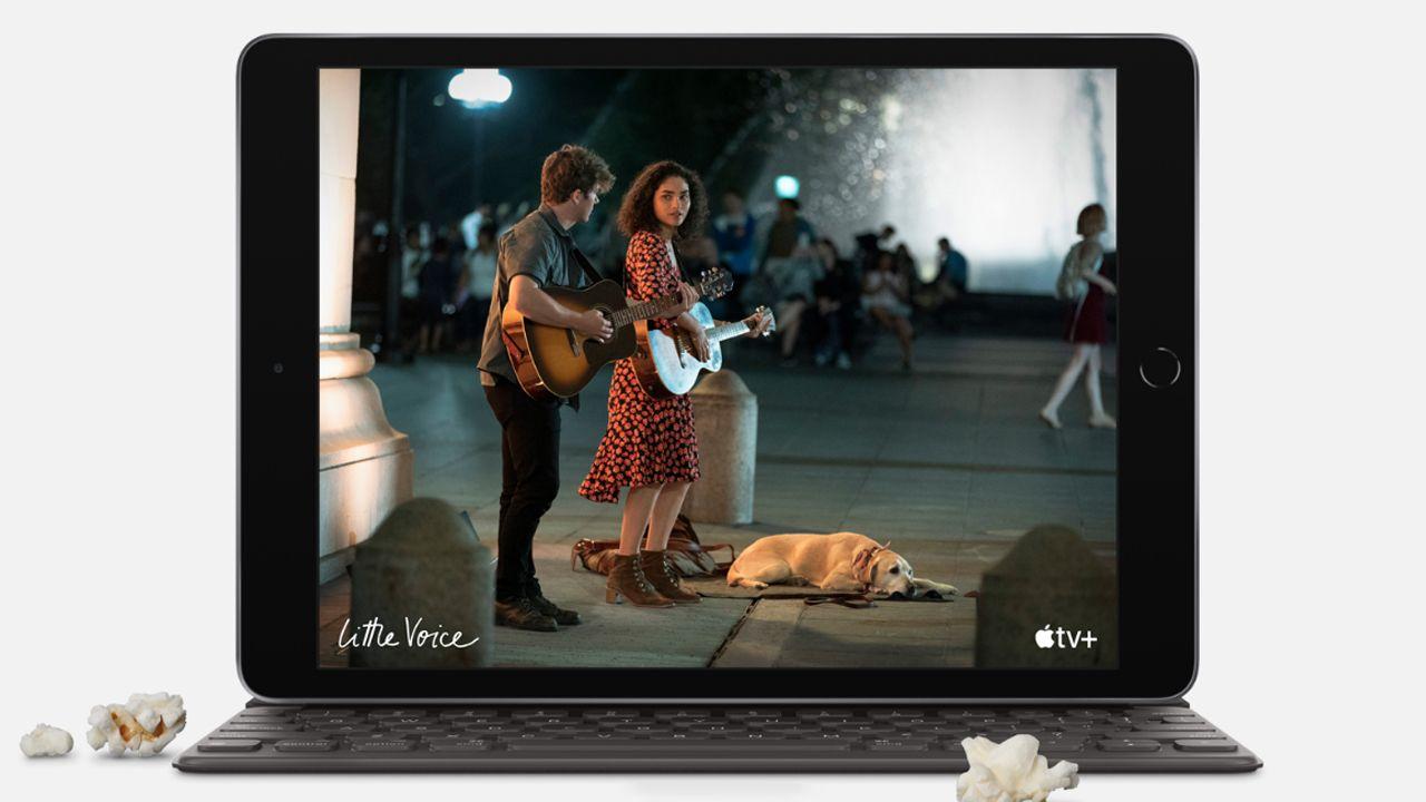 iPad 8 com capa teclado. (Foto: Divulgação/Apple)