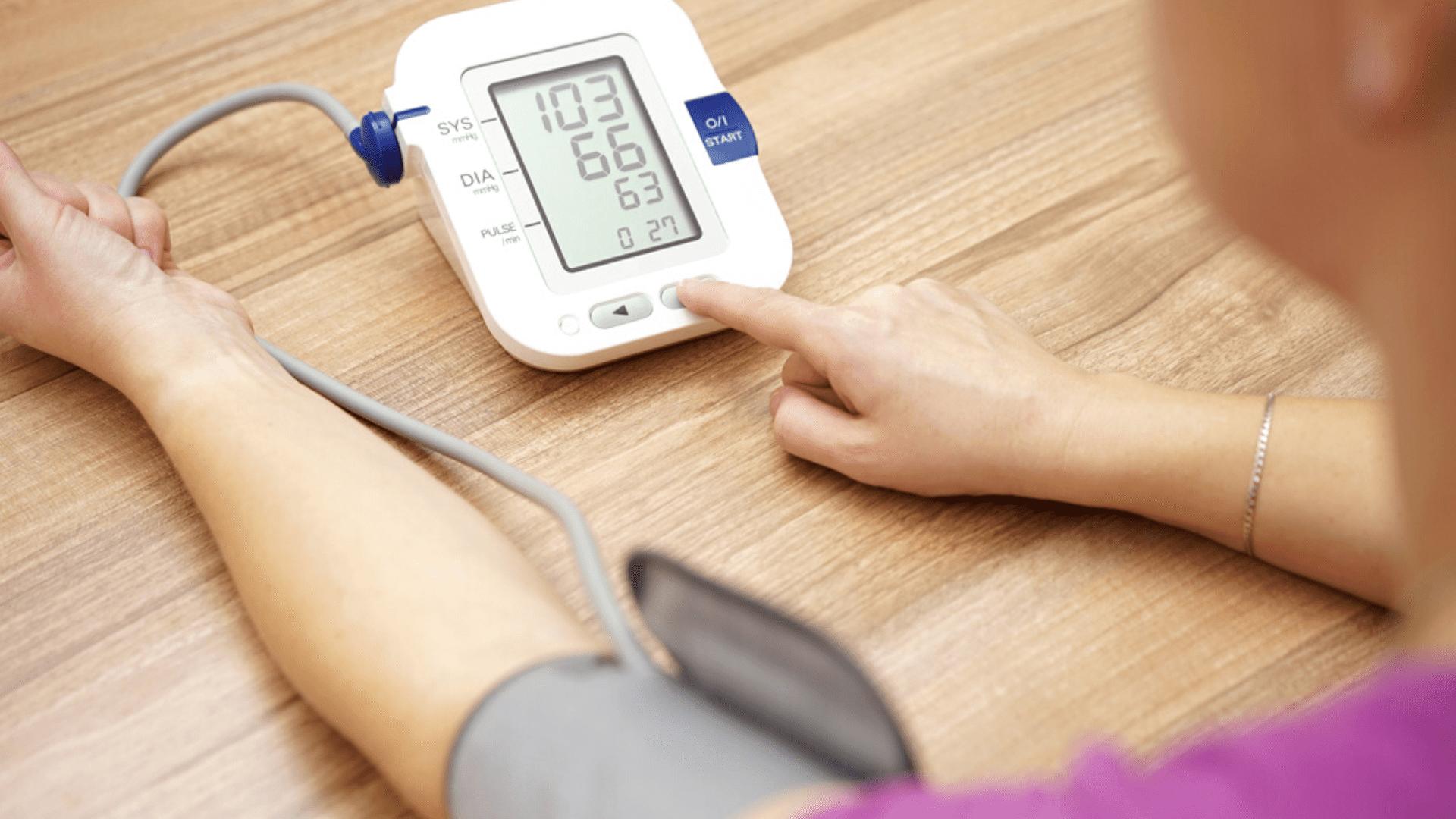 Veja a nossa seleção dos melhores medidores de pressão de 2021! (Imagem: Reprodução/Shutterstock)
