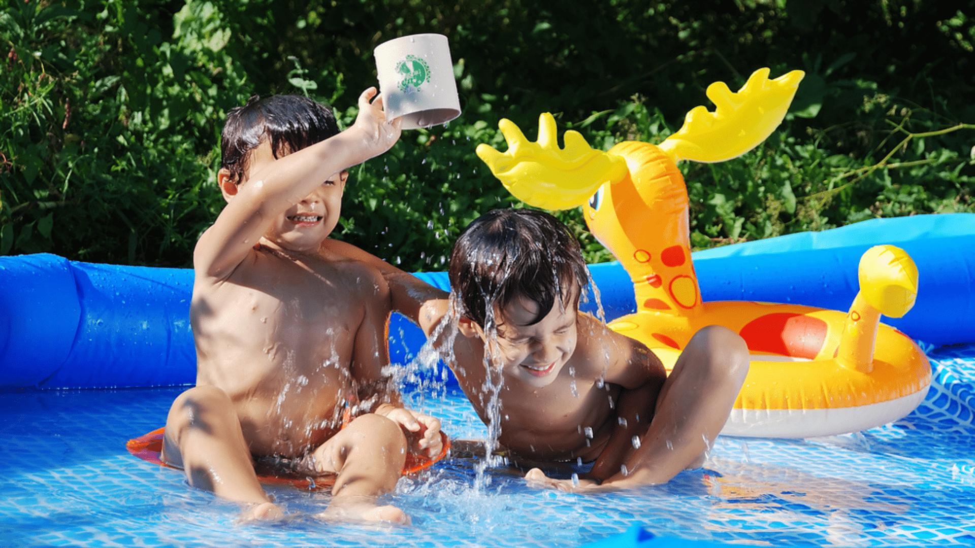 Veja a nossa seleção das melhores piscinas infantils de 2021! (Imagem: Reprodução/Shutterstock)