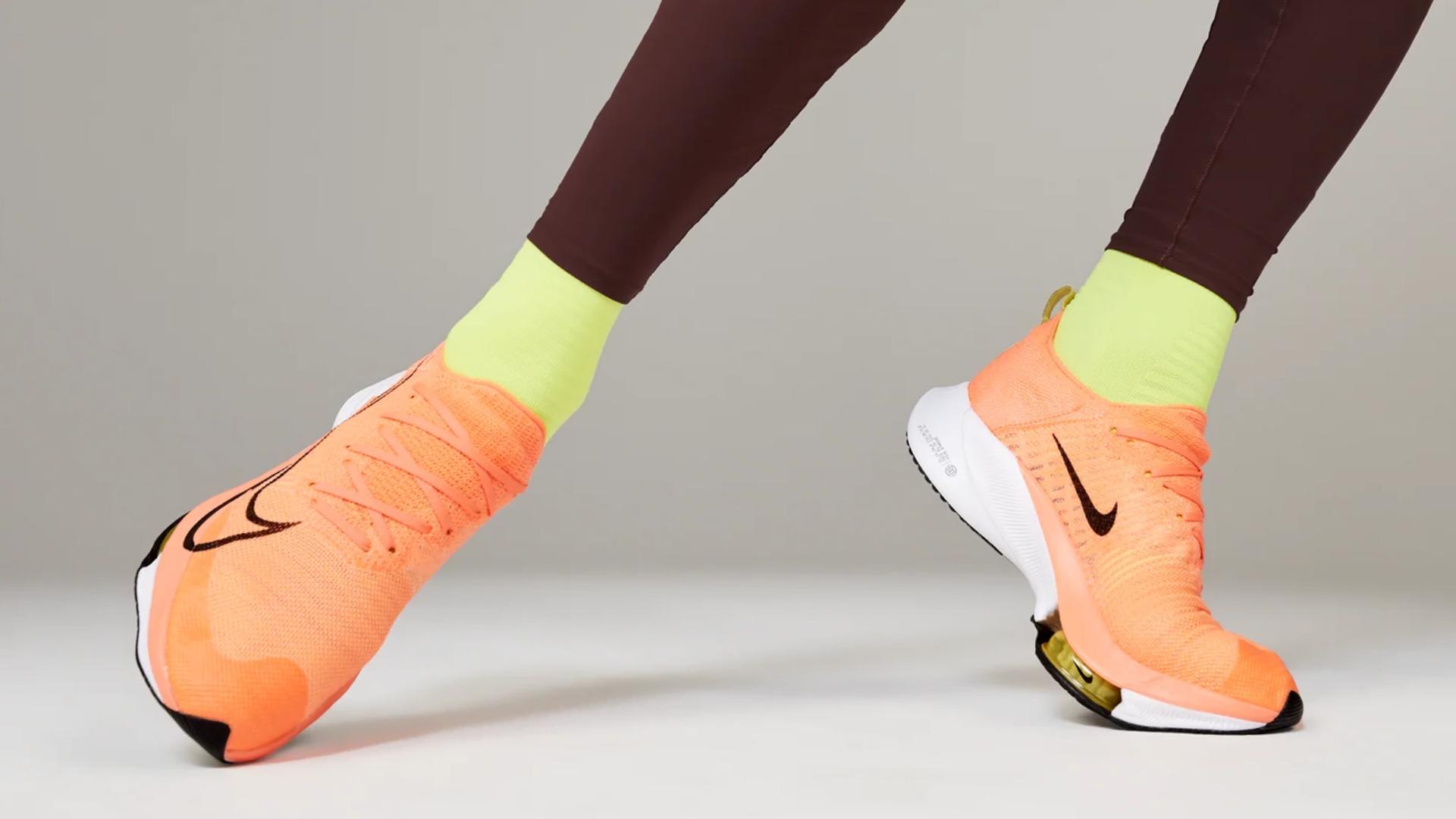O Nike Air Zoom AlphaFly Next% é um tênis para corrida profissional (Imagem: Divulgação/Nike)