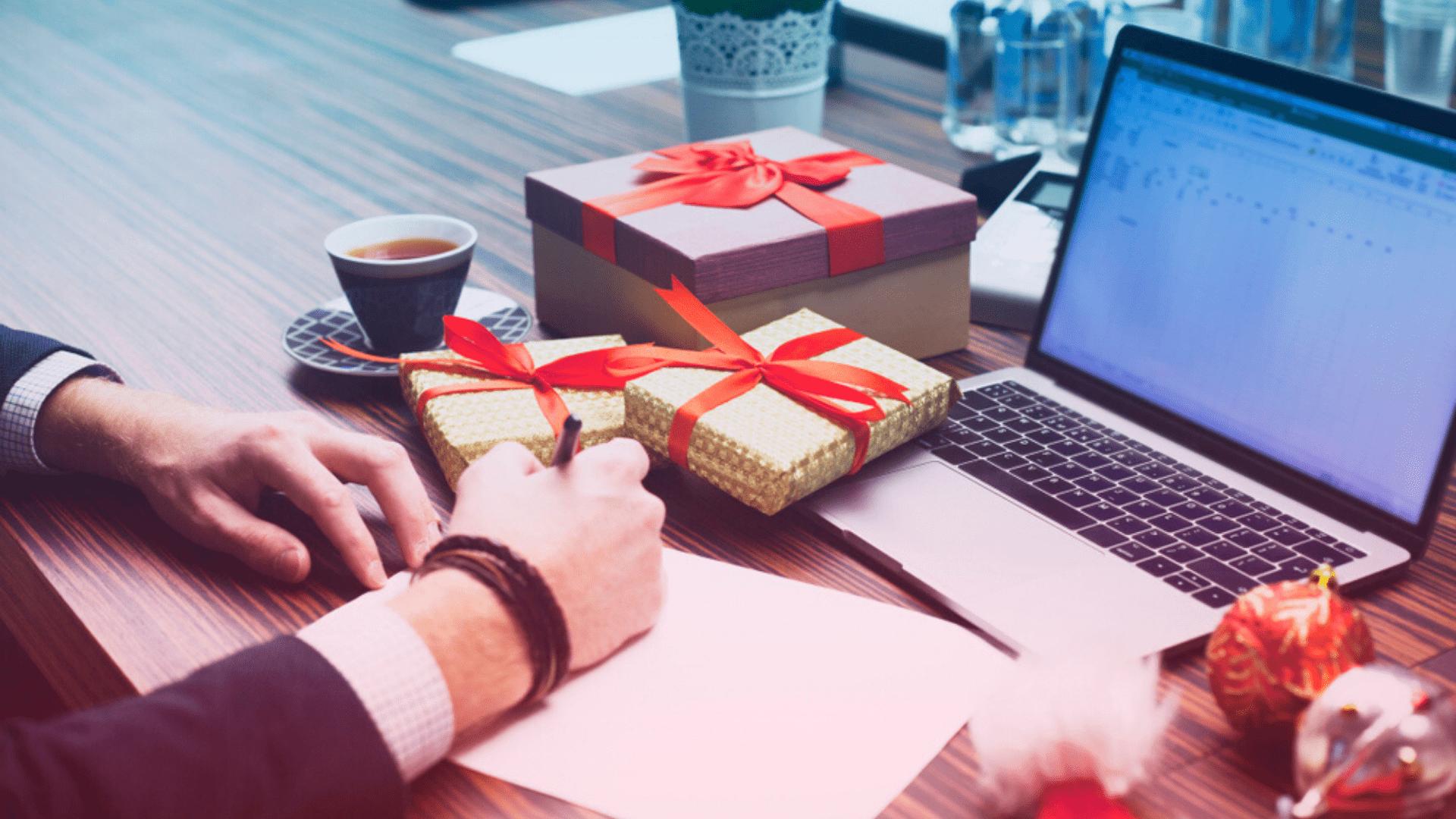 Encontre o presente ideal para o seu amigo secreto! (Imagem: Reprodução/Shutterstock)