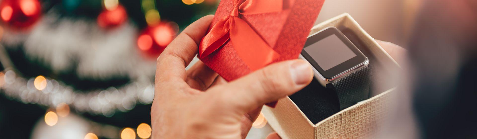 Smartwatches e smartbands até 500 reais: 5 modelos para presentear nesse Natal