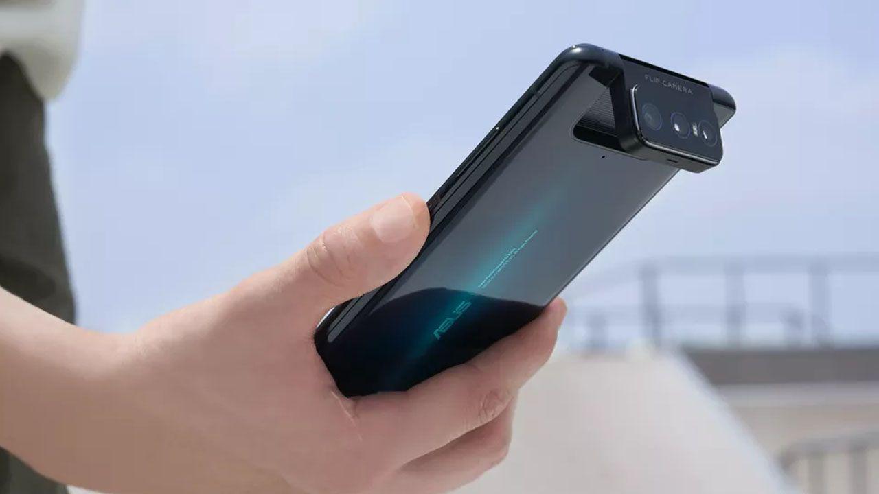 O Zenfone 7 é o primeiro celular do mundo com câmera tripla flip (Foto: Divulgação/Asus)