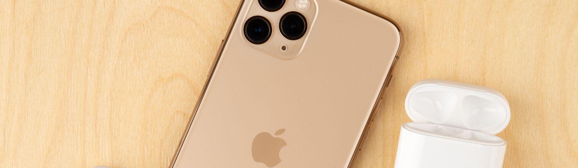 Apple registra patentes de capas para iPhones que carregam os AirPods