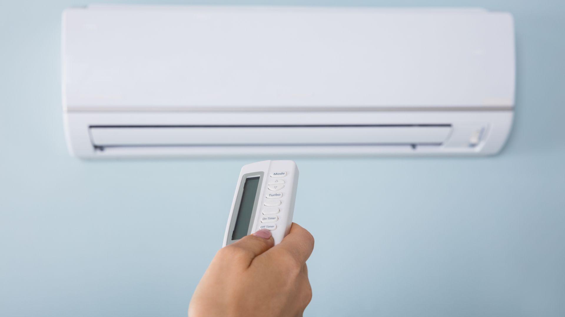 Confira a lista para saber qual o ar-condicionado mais econômico para sua casa! (Imagem: Reprodução/Shutterstock)