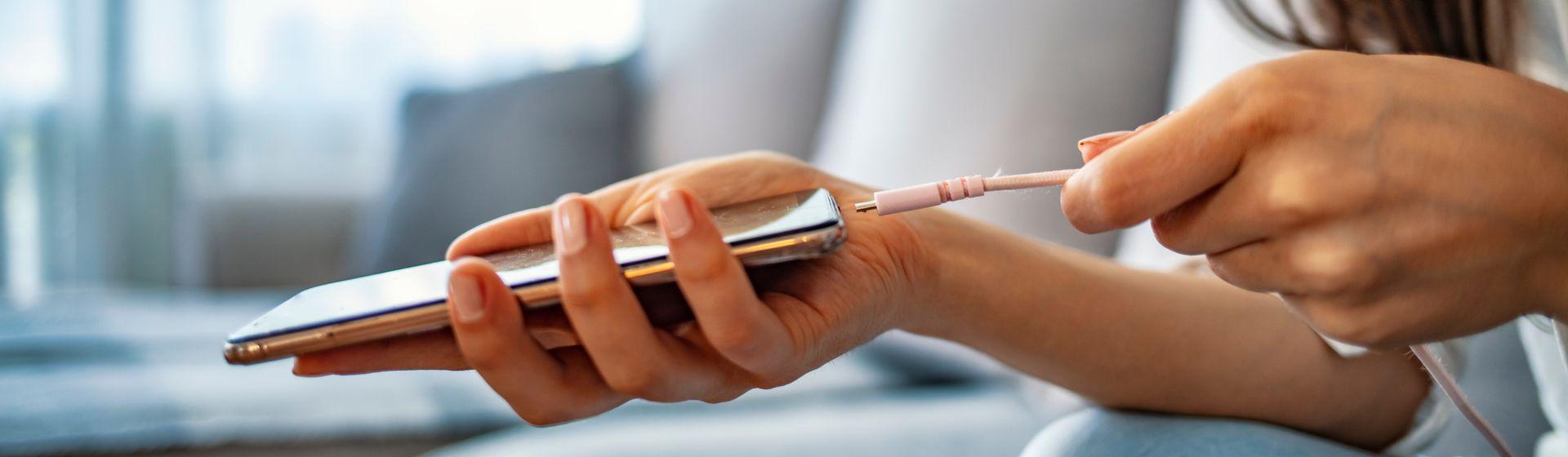 Como funciona o carregamento rápido do celular?