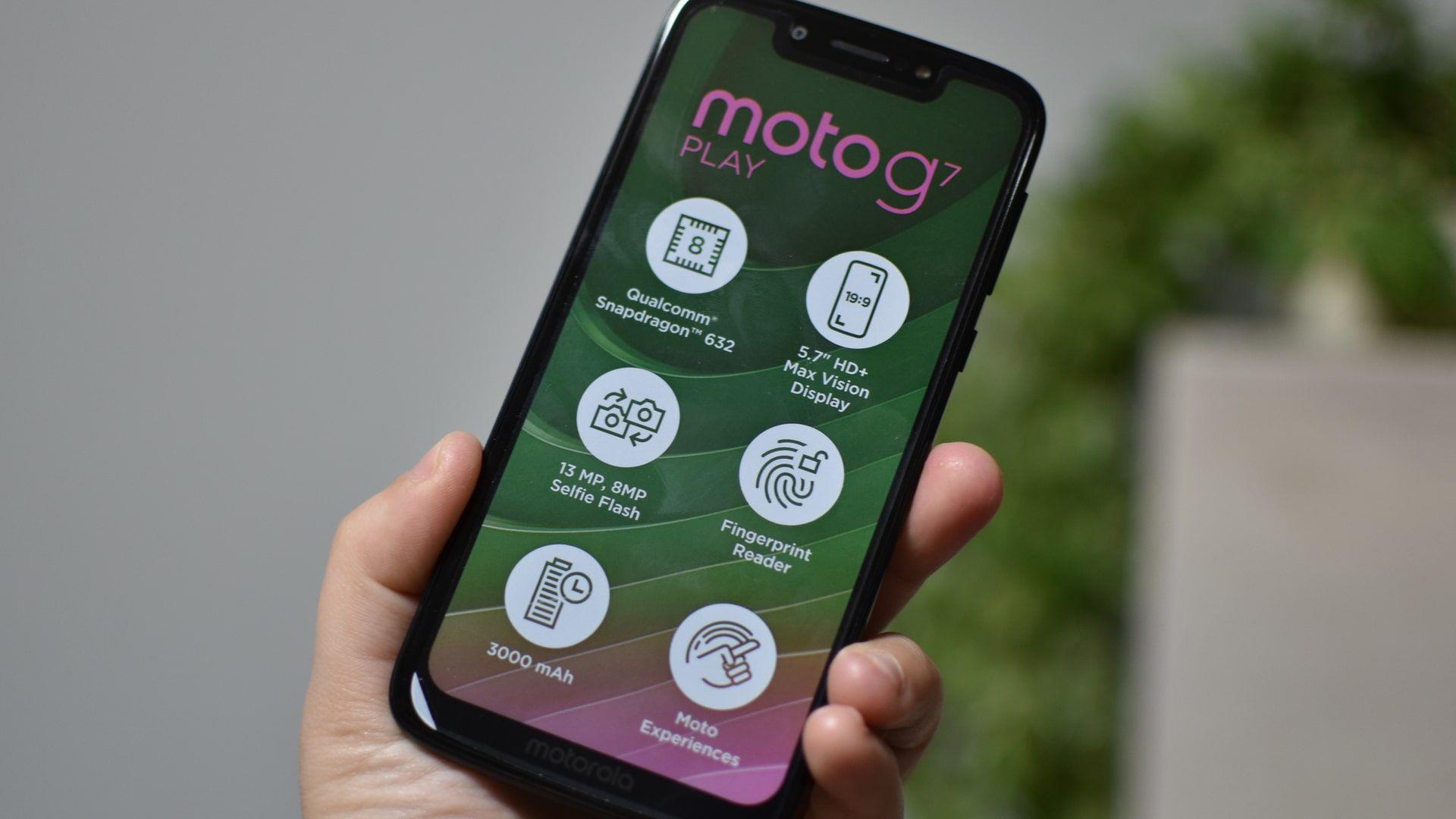 Moto G7 Play é um celular Motorola barato à venda no Brasil em 2021 (Foto: Shutterstock)