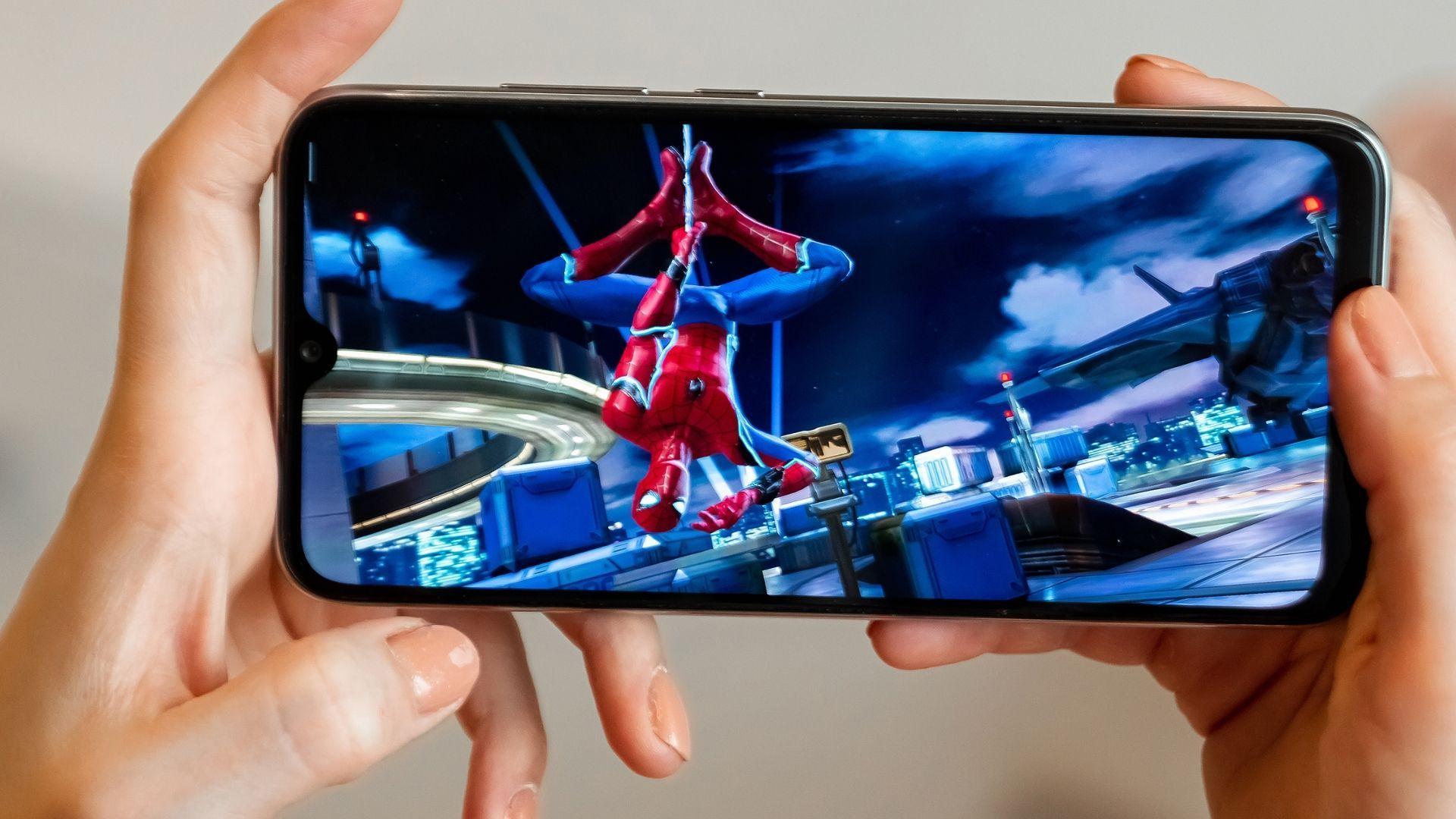 Bom e barato, o Redmi Note 8 consegue rodar vários jogos populares (Foto: Marko Aliaksandr / Shutterstock.com)