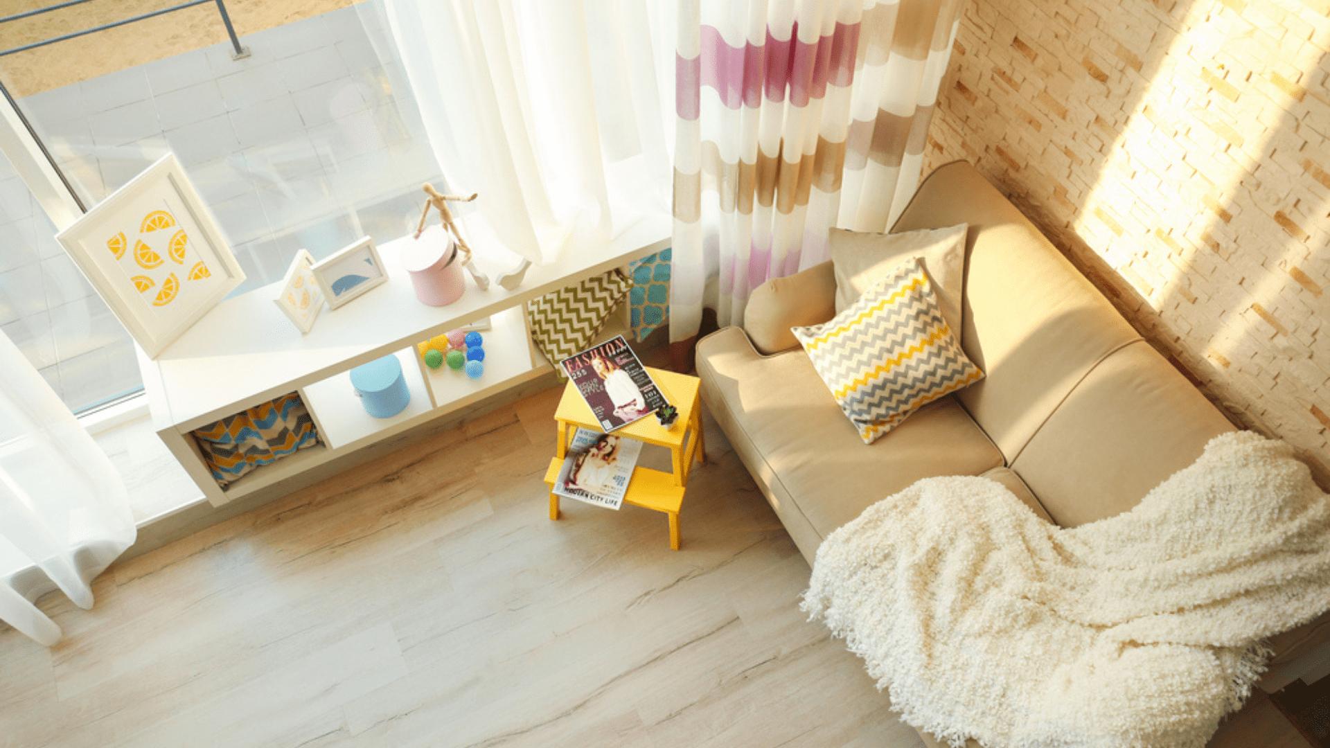 Veja as nossas dicas sobre como decorar uma sala pequena! (Imagem: Reprodução/Shutterstock)