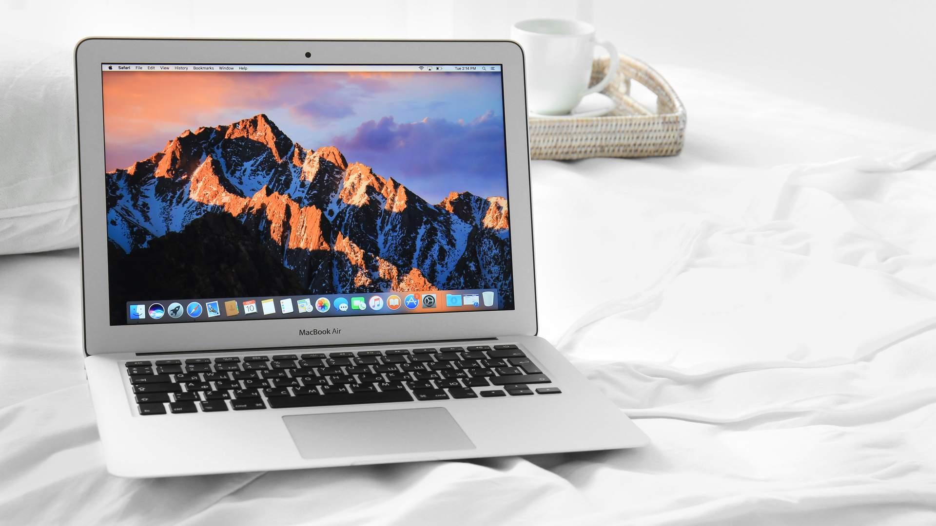 O Macbook Air 2017 é boa opção para quem deseja um notebook da Apple (Shutterstock)