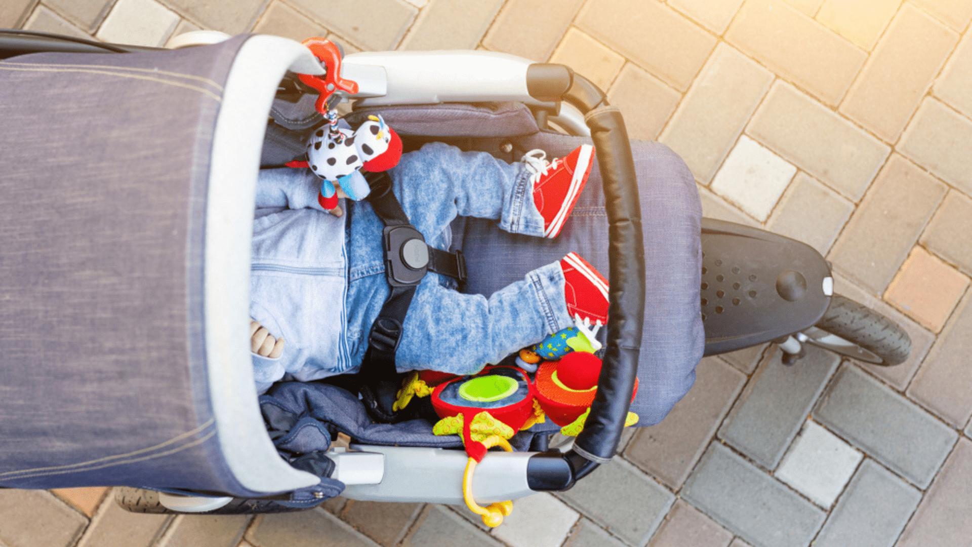 Veja a nossa seleção dos melhores carrinhos de bebê 3 rodas de 2021! (Reprodução: Shutterstock)