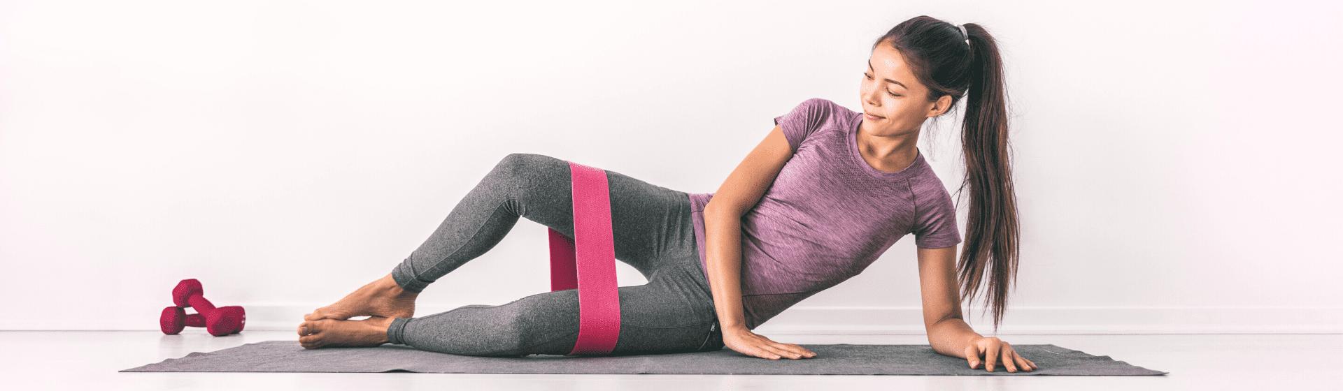 Elástico para musculação: benefícios e modelos para usar no treino