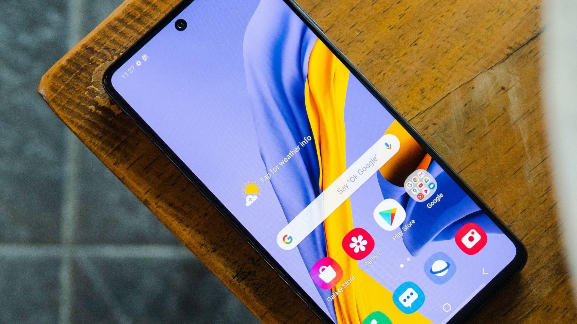 O Samsung Galaxy M51 tem incríveis 7.000 mAh de bateria (Foto: Lukmanazis / Shutterstock.com)