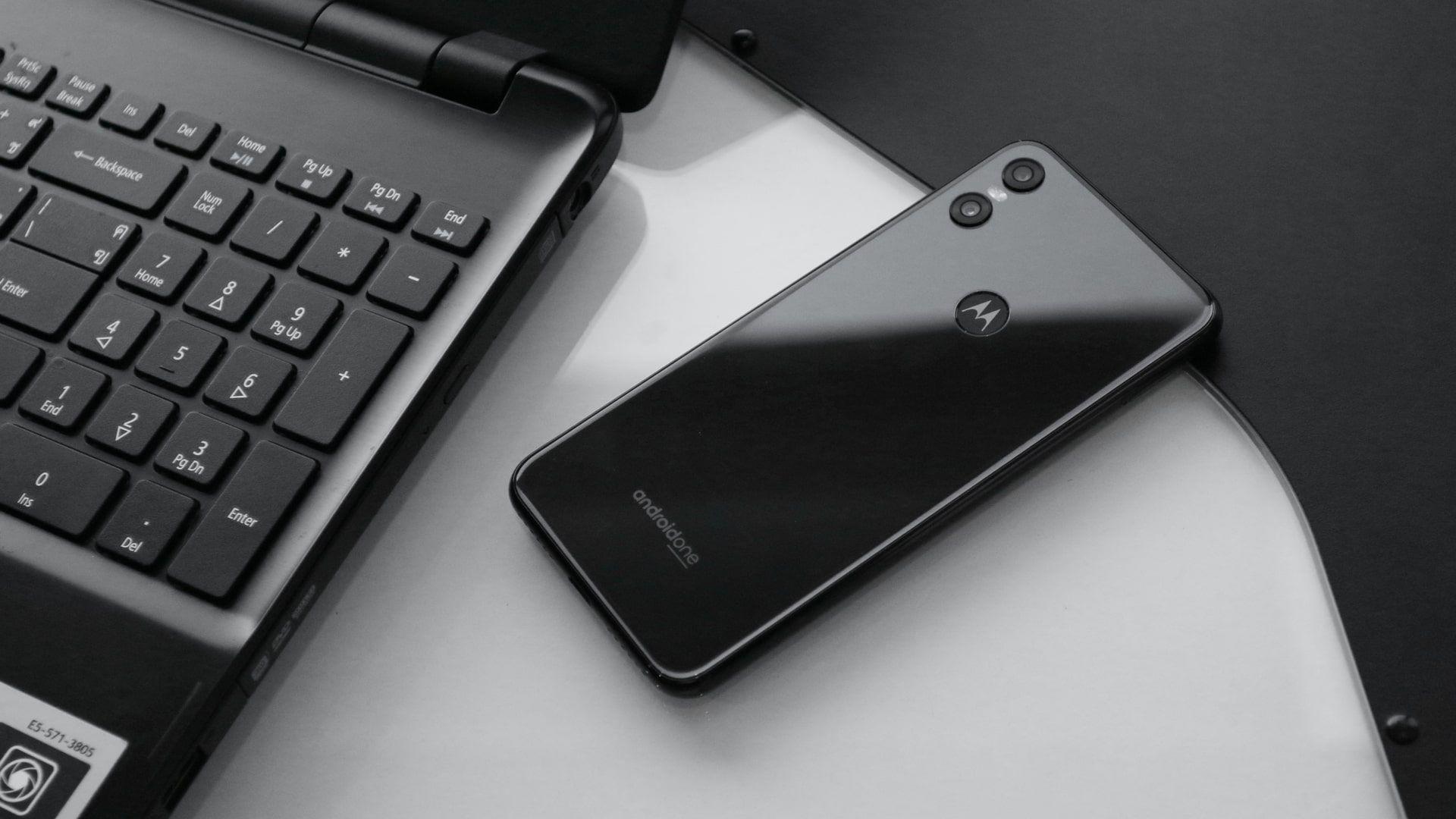 Motorola One traz versão pura do Android (Foto: Shutterstock)