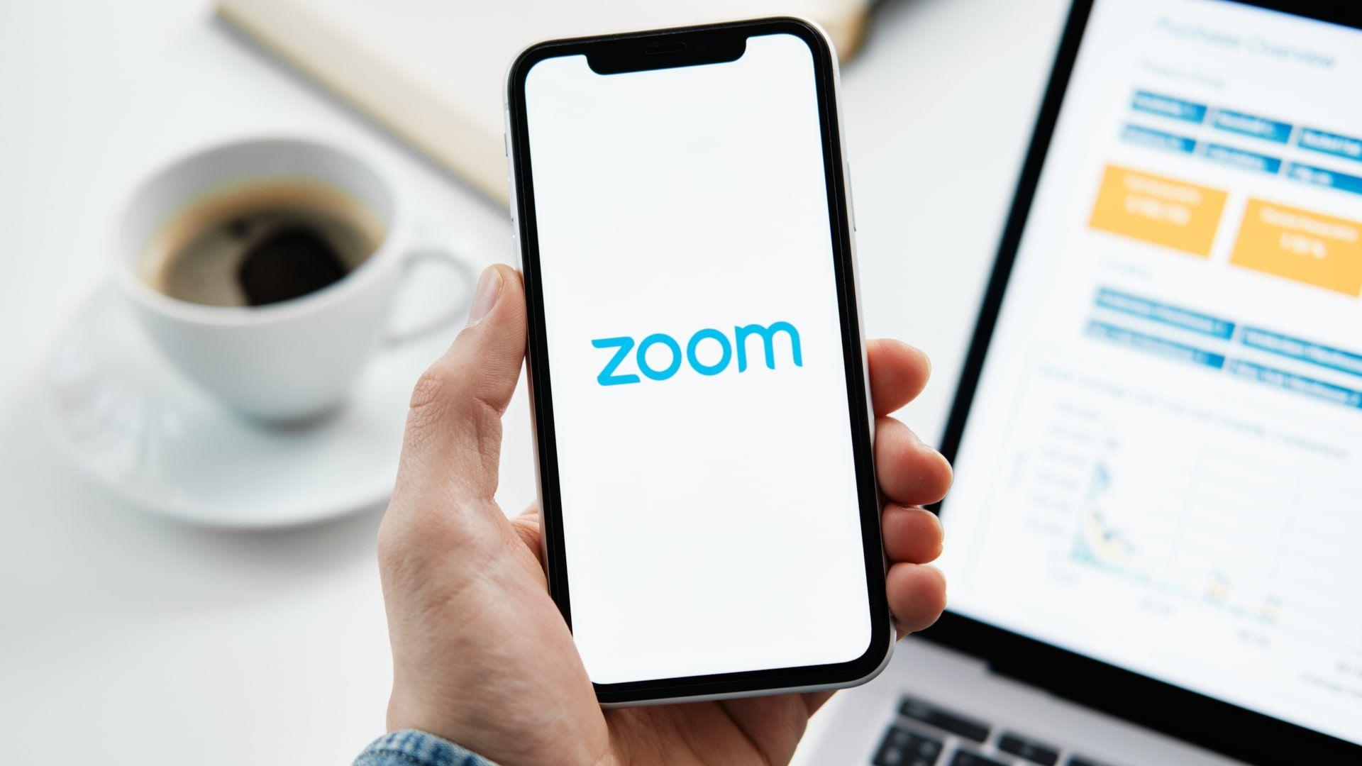 App de videoconferências Zoom permite grande quantidade de pessoas na mesma sala de reunião (Foto: Shutterstock)