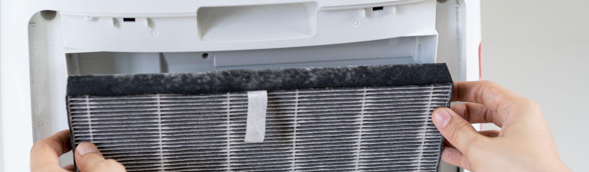 Como limpar ar condicionado portátil?