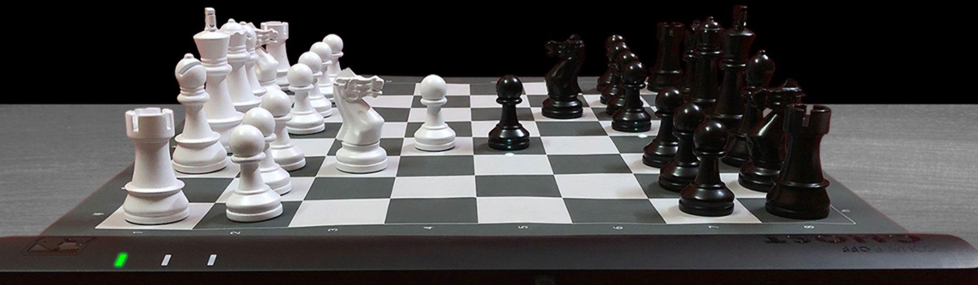 Tabuleiro de xadrez tem peças que se movem sozinhas que nem em Harry Potter