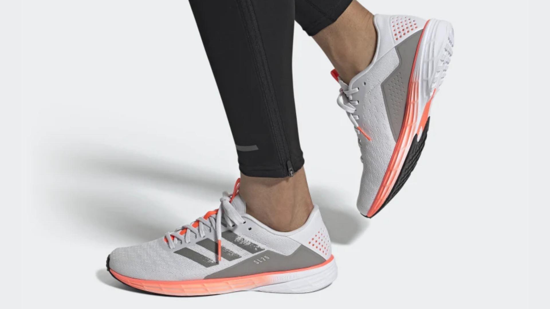 O Adidas SL20 é um tênis de corrida para pisada neutra (Imagem: Divulgação/Adidas)