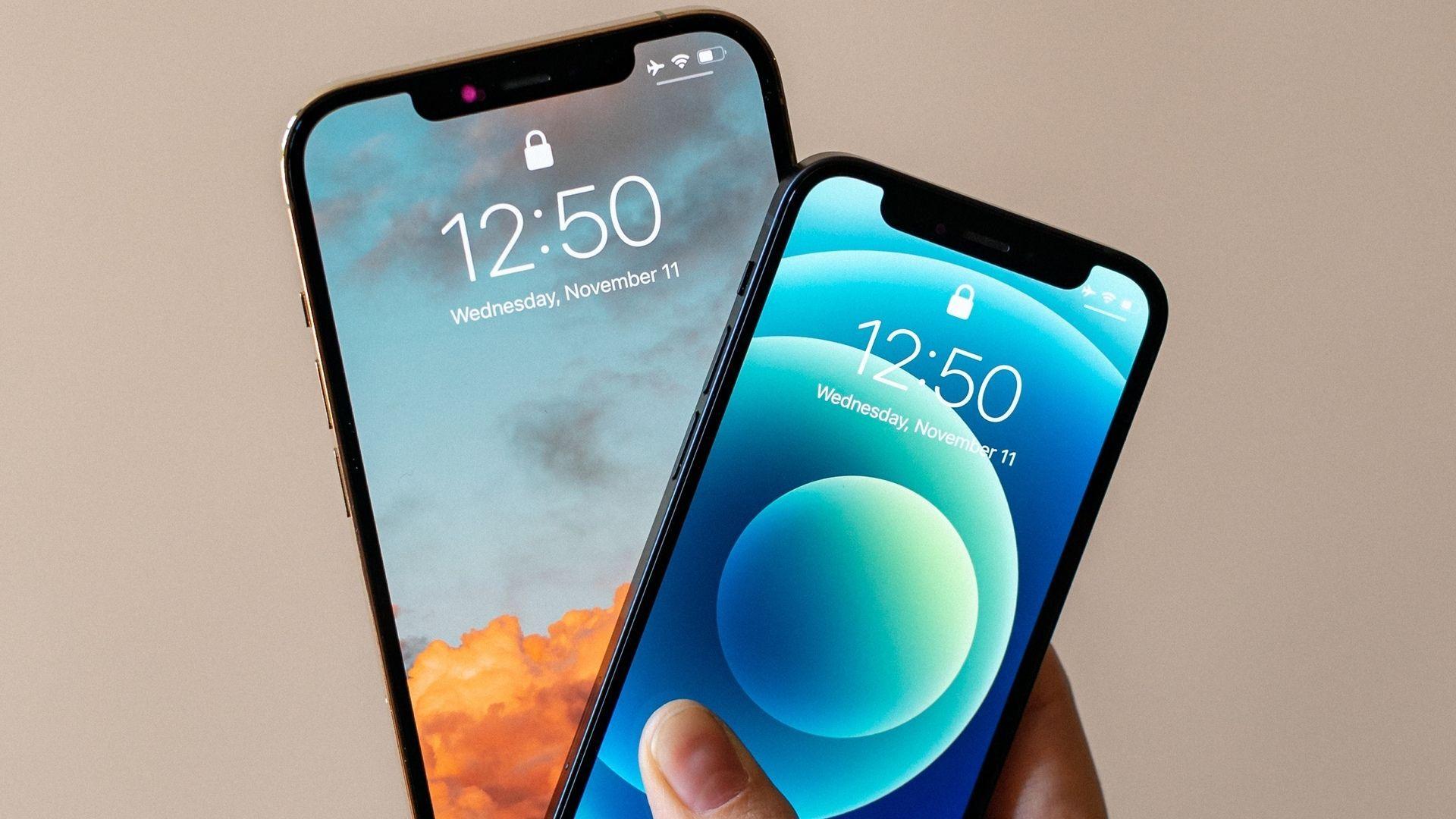 Diferença de tamanho entre o iPhone 12 Mini e iPhone 12 Pro Max.