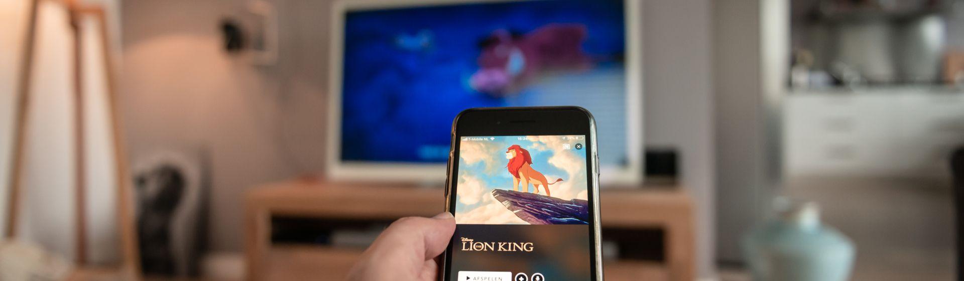 Como conectar o celular na Smart TV AOC?