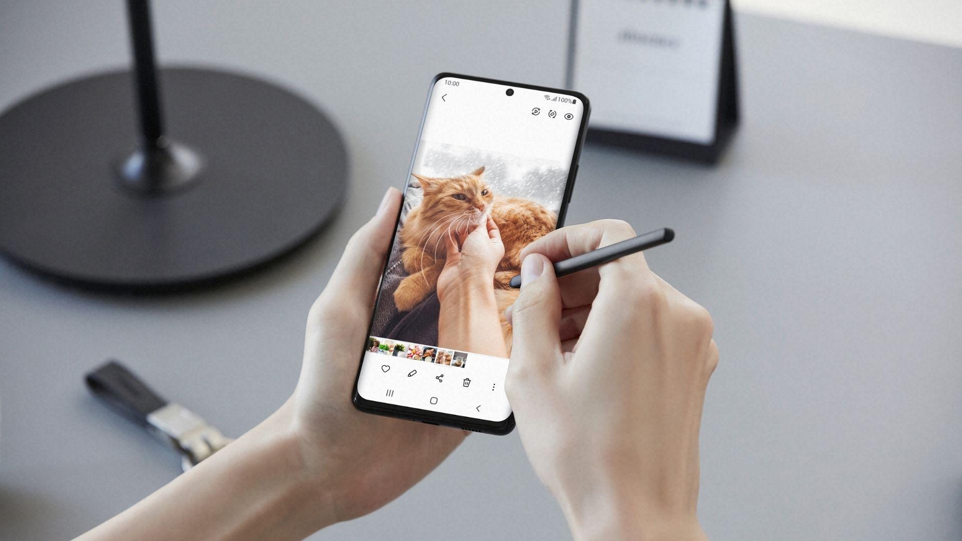 Galaxy S21 Ultra tem conjunto de câmera quádrupla (Foto: Divulgação/Samsung)