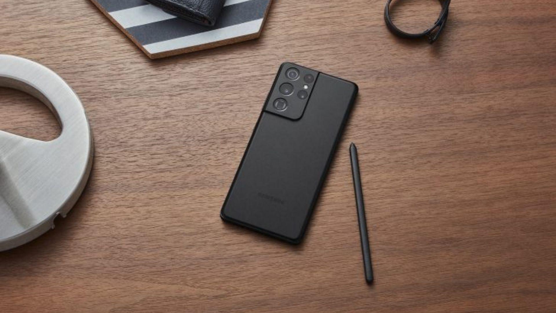 Galaxy S21 Ultra é compatível com caneta S Pen (Foto: Divulgação/Samsung)