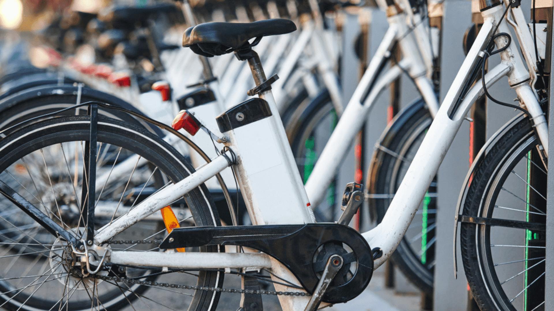 Veja a nossa seleção das melhores bicicletas elétricas de 2021! (Imagem: Reprodução/Shutterstock)