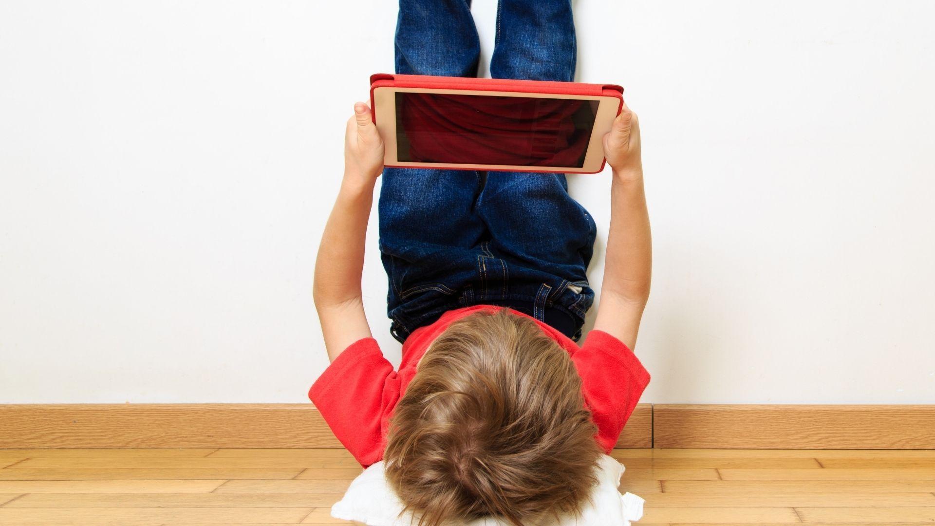confira a lista e escolha o melhor tablet infantil para comprar (Foto: Nadya Eugene / Shutterstock.com)
