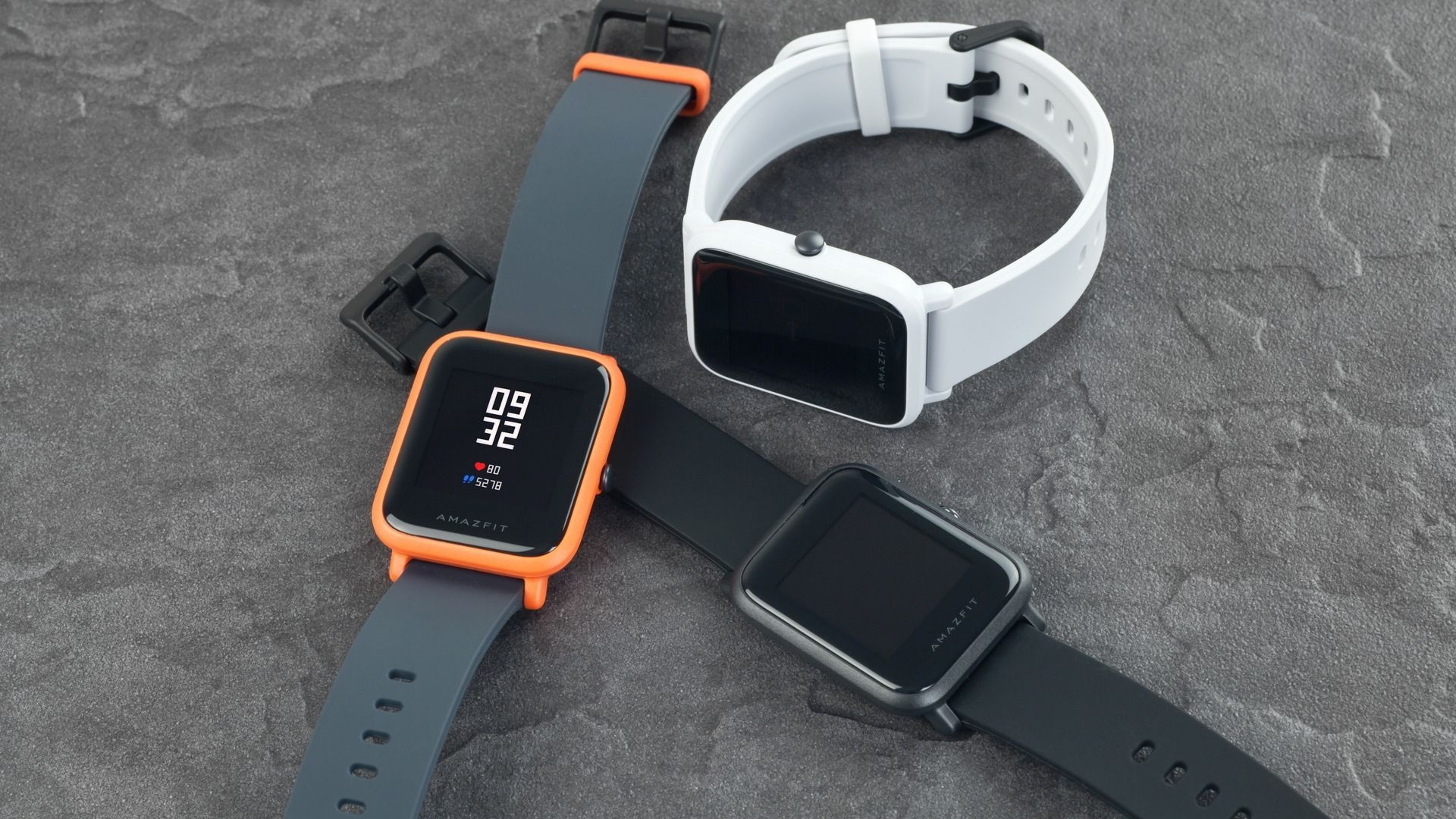 O Amazfit Bip conta com design muito parecido com o Apple Watch.