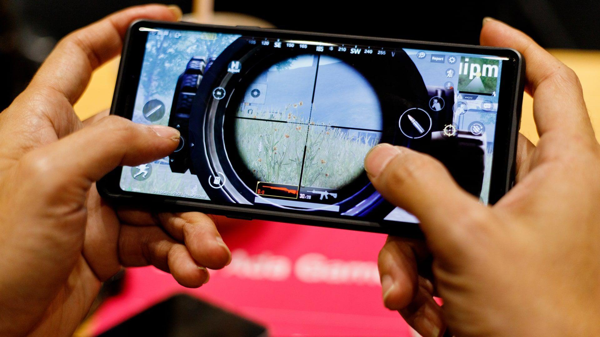 Celulares gamers trazem ficha técnica potente e recursos otimizados para jogos (Foto: Shutterstock)