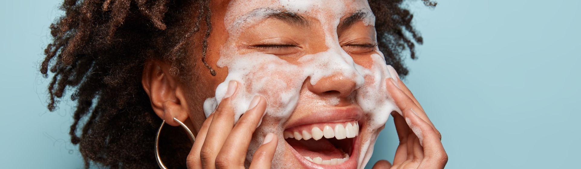 Carnaval em casa: 10 produtos de beleza para você se cuidar durante o feriado