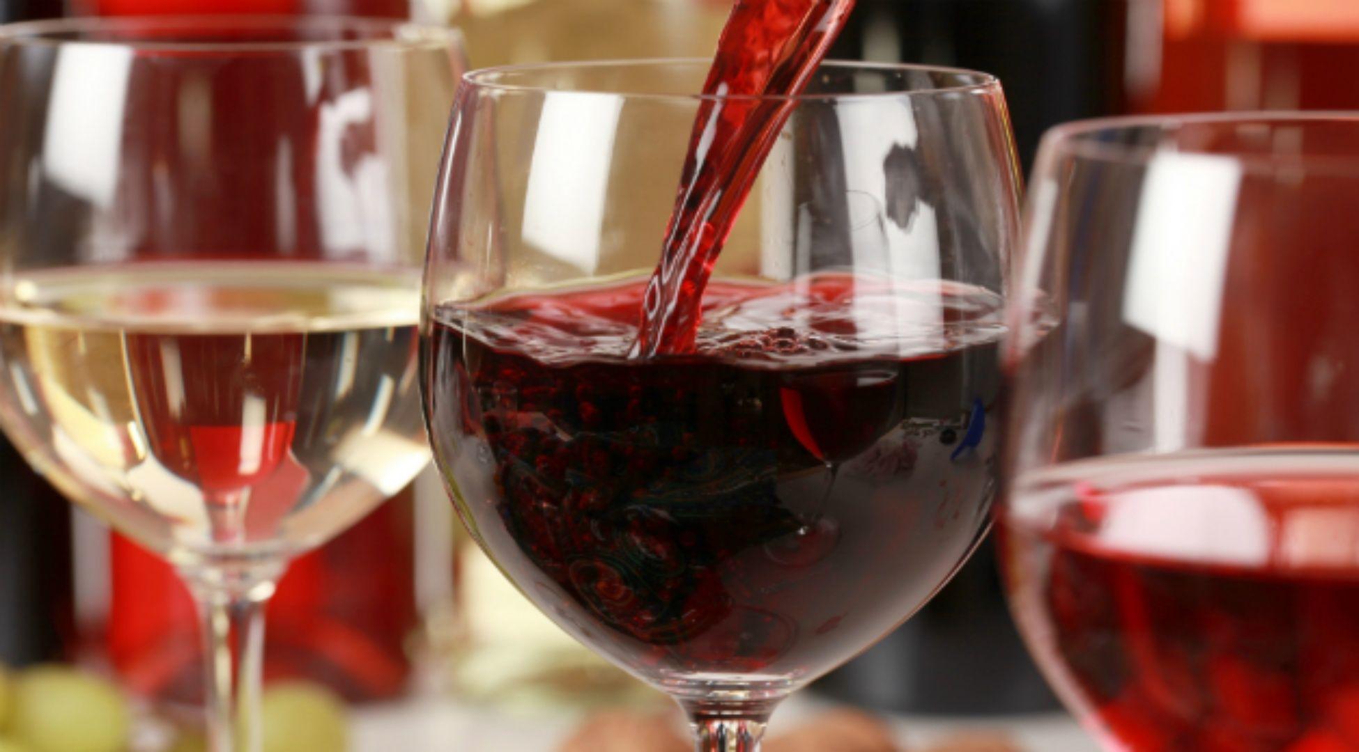 O vinho tinto e o vinho branco têm necessidades de conservação diferentes (Foto: Shutterstock)