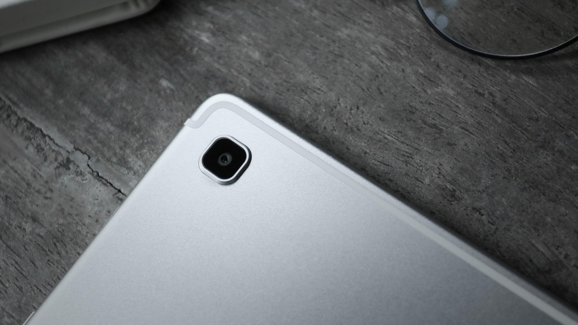 Você pode fazer filmagens em 4K com o Galaxy Tab S5e. (Foto: Shutterstock)