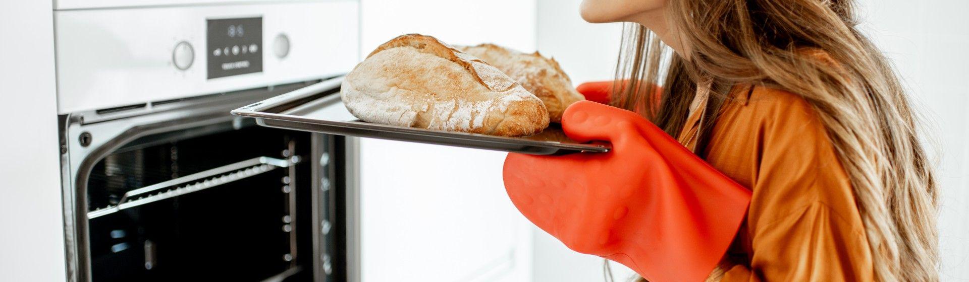 Pão feito em casa: 5 dicas e produtos que vão deixar seu pão crocante e macio