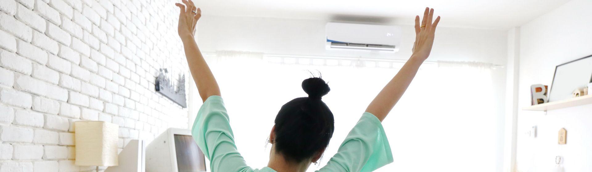 Como refrescar o quarto: 4 dicas e opções de ventilador, climatizador ou ar condicionado