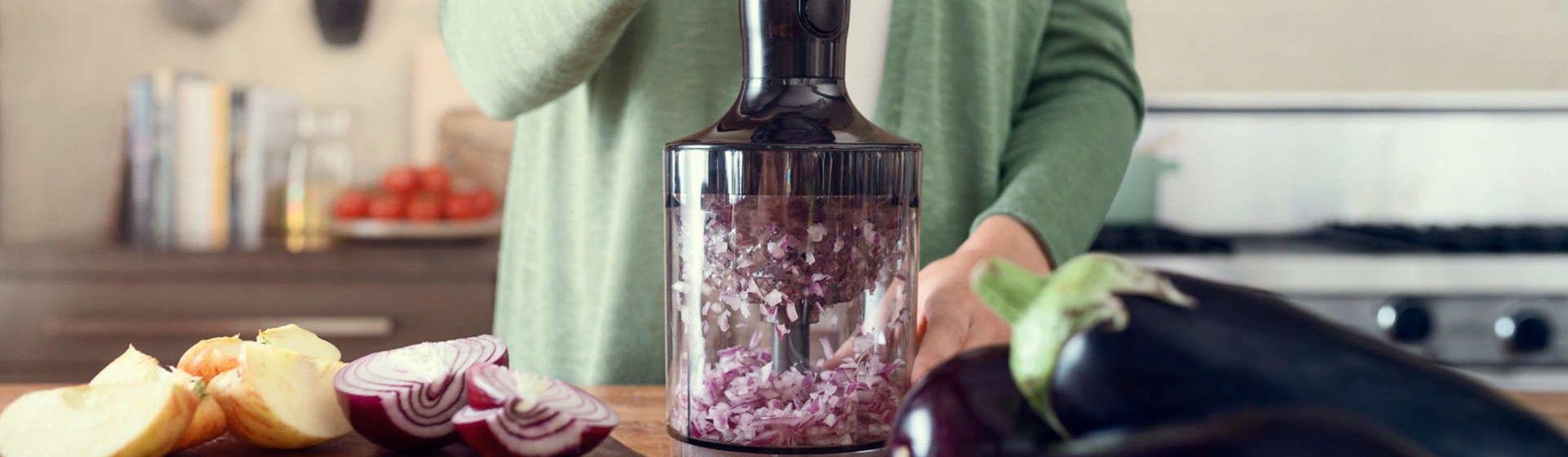 Como usar mixer de mão? Quais alimentos podem ser preparados? Passo a passo + 4 dicas para usar o utensílio