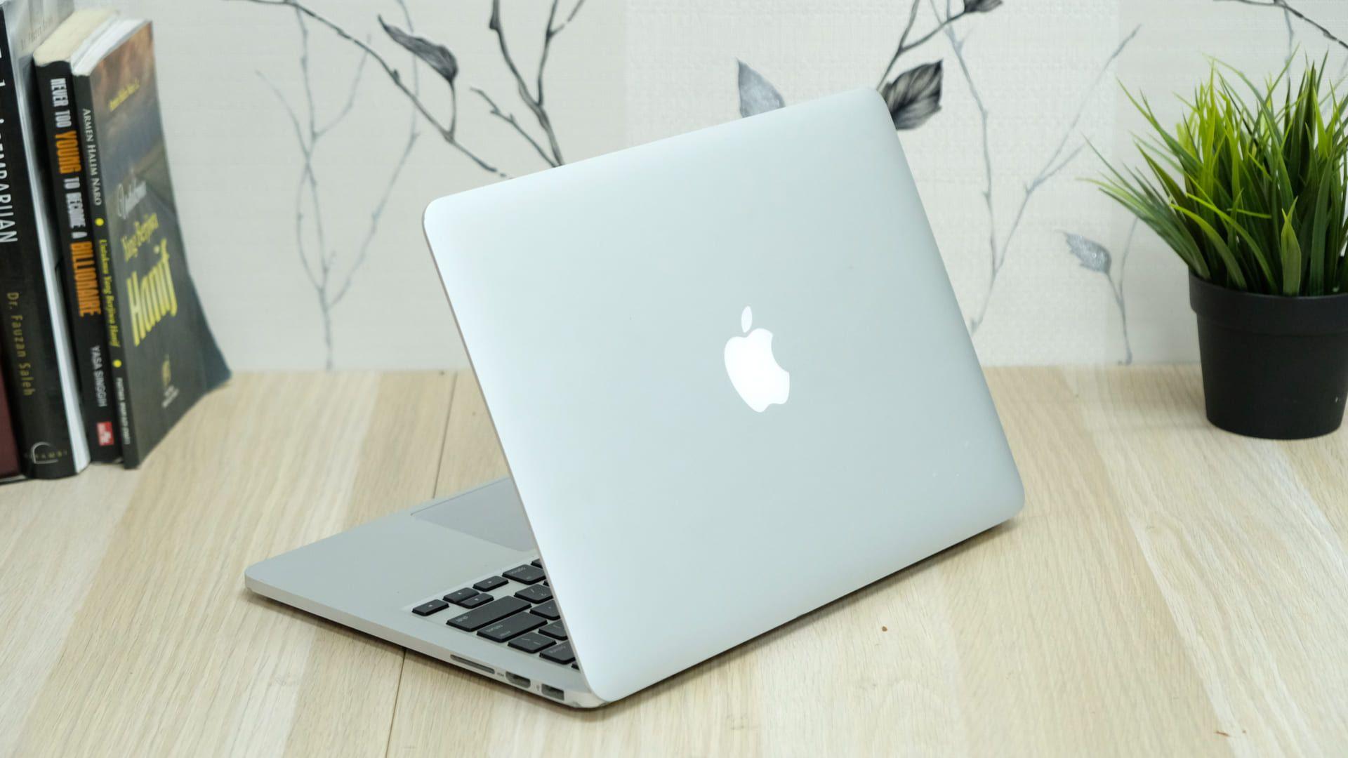 O MacBook é fino, compacto e tem construção em alumínio (Foto:Shutterstock)