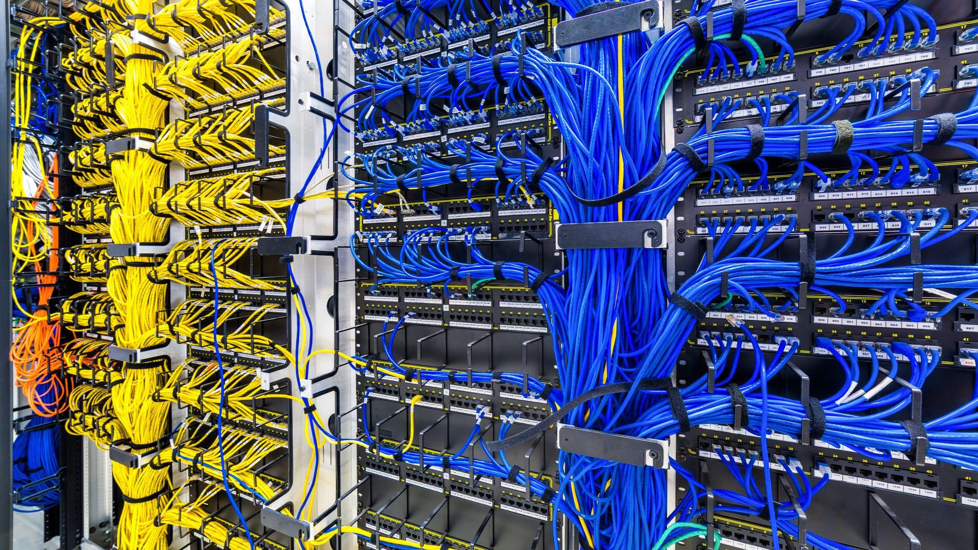 A ethernet é muito utilizada em empresas (Foto: Reprodução/Shutterstock)