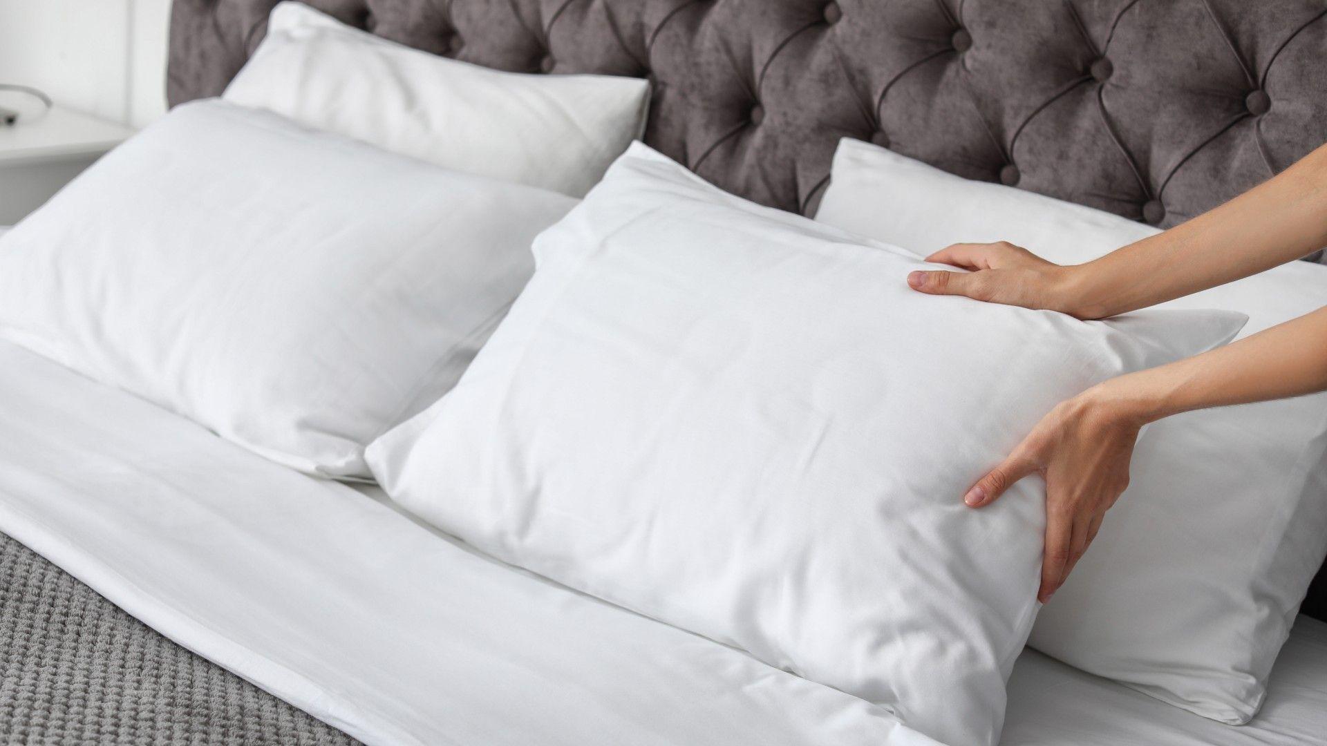 Escolha o travesseiro ideal para a sua posição de sono e garanta uma noite de sono confortável (Foto: Shutterstock)