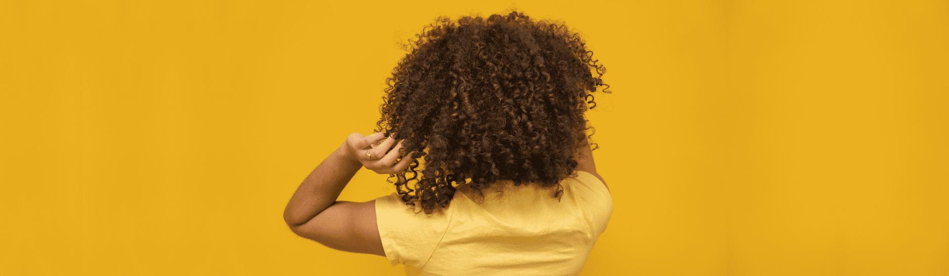 Melhor creme de pentear para cabelo cacheado: 10 produtos para comprar