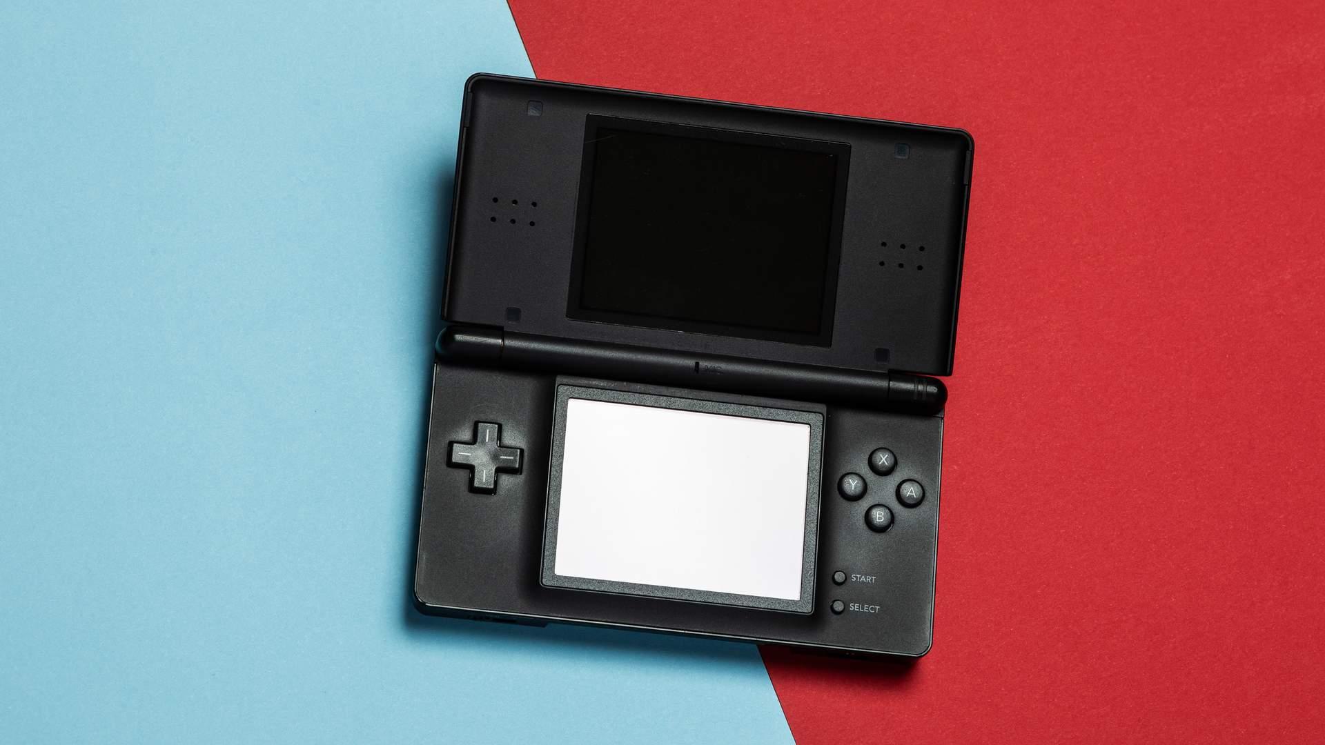 O Nintendo DS já tem idade, mas não deixou o post de segundo videogame mais vendido do mundo (Fonte:Shutterstock/Stas Knop)