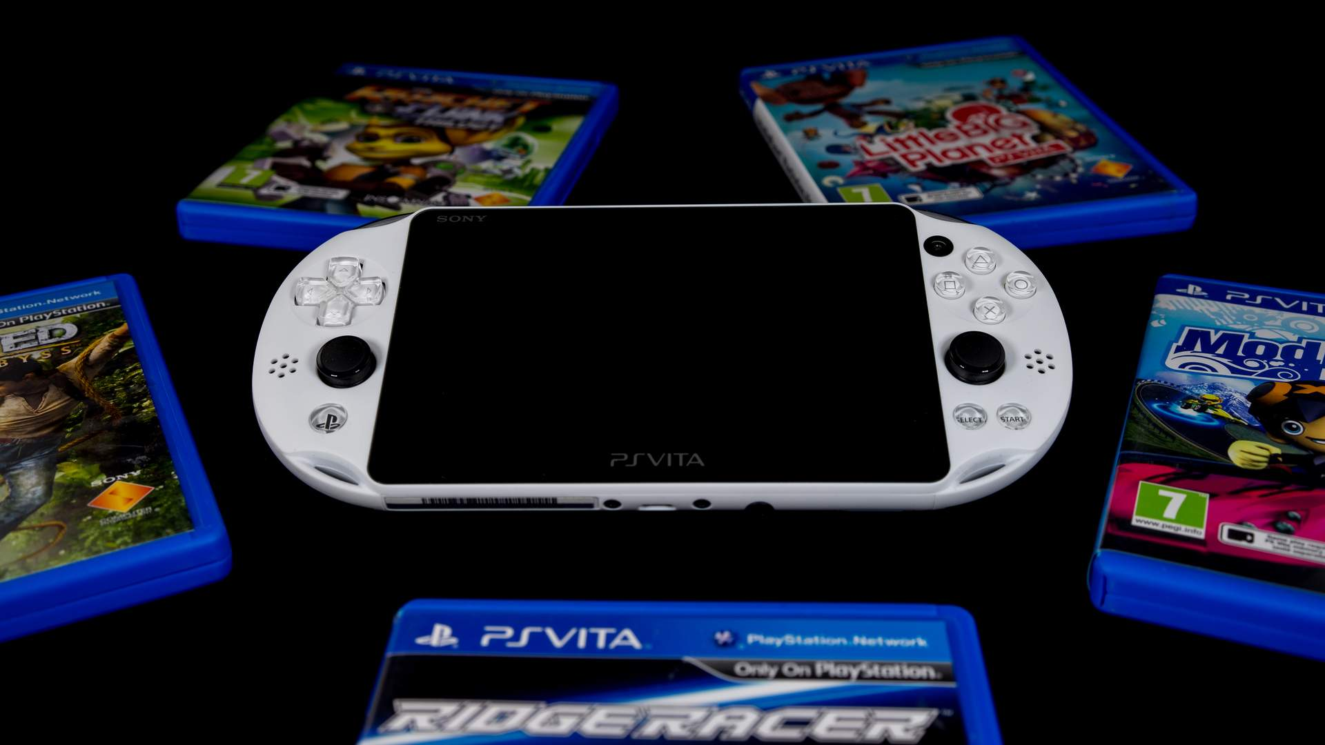 Considerado o melhor videogame de mão pelos fãs da marca, o PS Vita tinha gráficos impressionantes para um portátil da época (Fonte: Shutterstock/Travers Lewis)