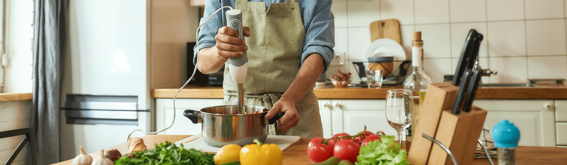 Vale a pena comprar um mixer? 5 vantagens de investir no eletroportátil