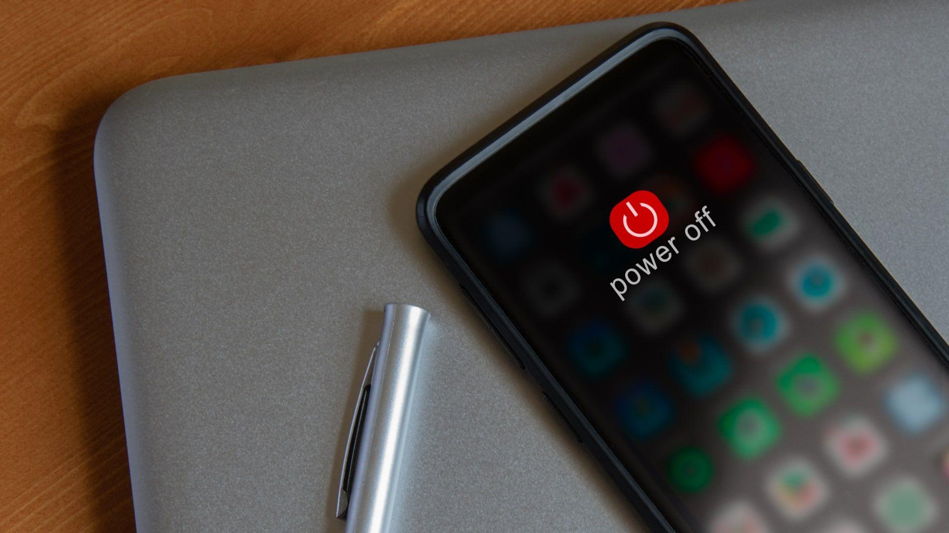 Como tirar o celular do modo de segurança? Desligar o aparelho pode ajudar (Foto: Shutterstock)