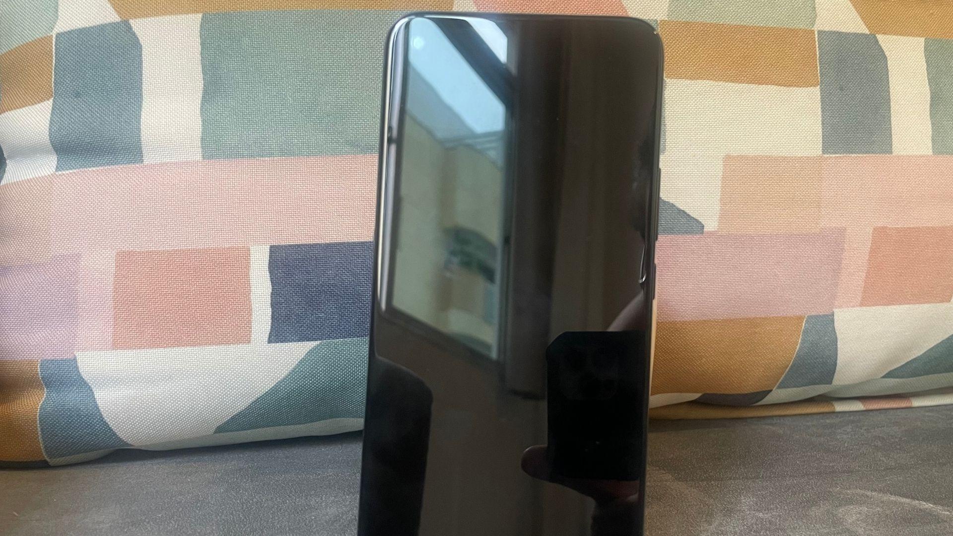 Moto G9 Power: um celular com tela gigante (Foto: Gabriel Fricke / Zoom)